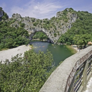 Stay in the Ardèche : Discover a cave